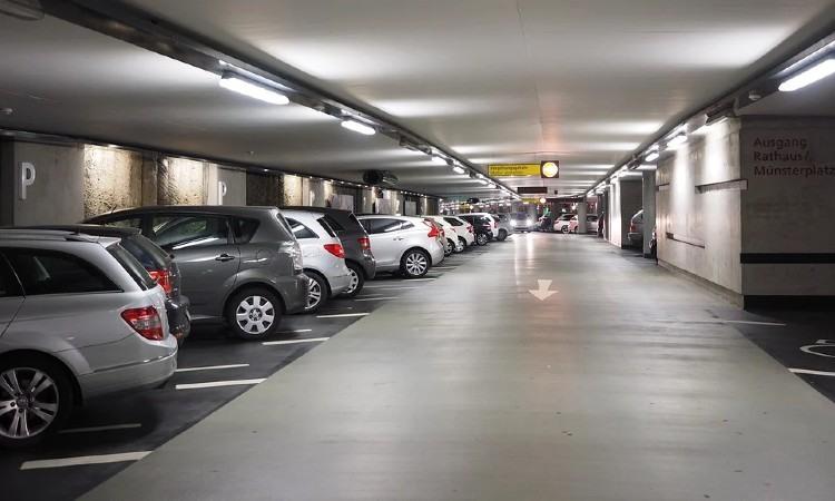¿Cómo mejorar la gestión y funcionalidad de un parking?